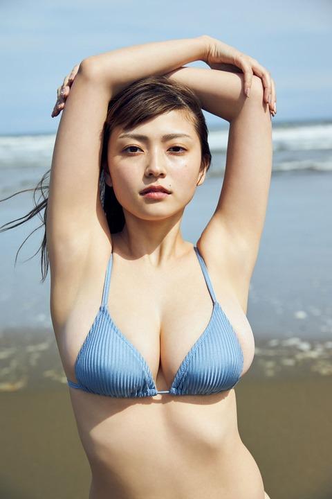 櫻井音乃の週プレ水着グラビア