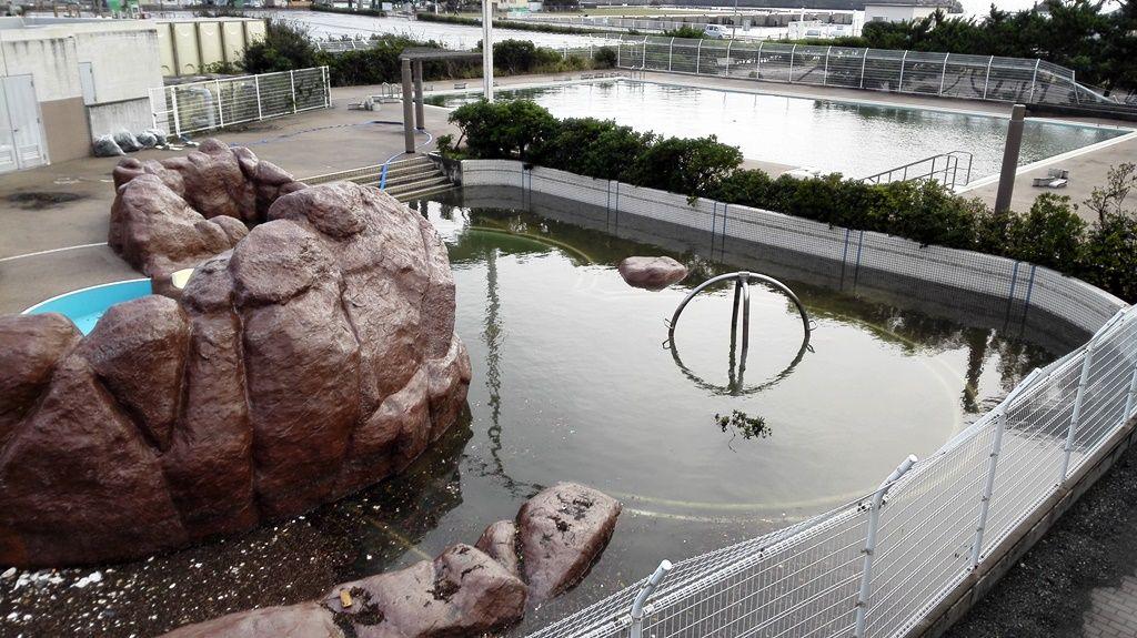 25照ヶ崎プールに海水が溜まる