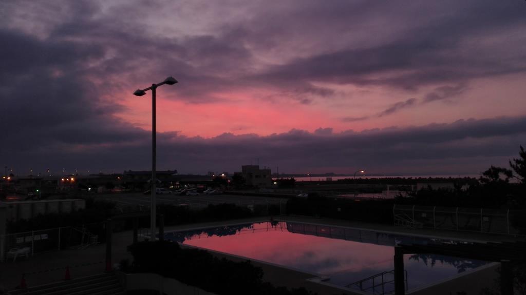 24照ヶ崎ピンク色の夜明け