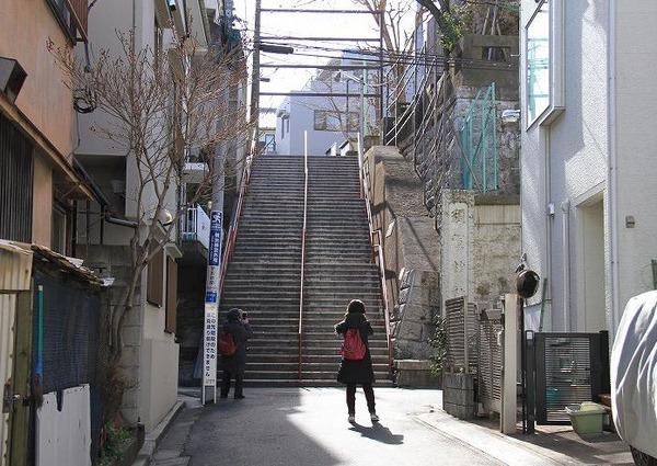 須賀神社アニメの坂