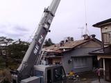 重い屋根瓦を撤去
