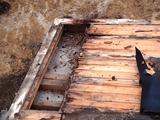 長年の雨漏れで腐朽した屋根下地