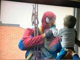窓拭きスーパーヒーロー
