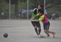 球際の競り合い