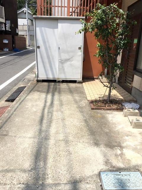 14戸建て駐車スペース-crop