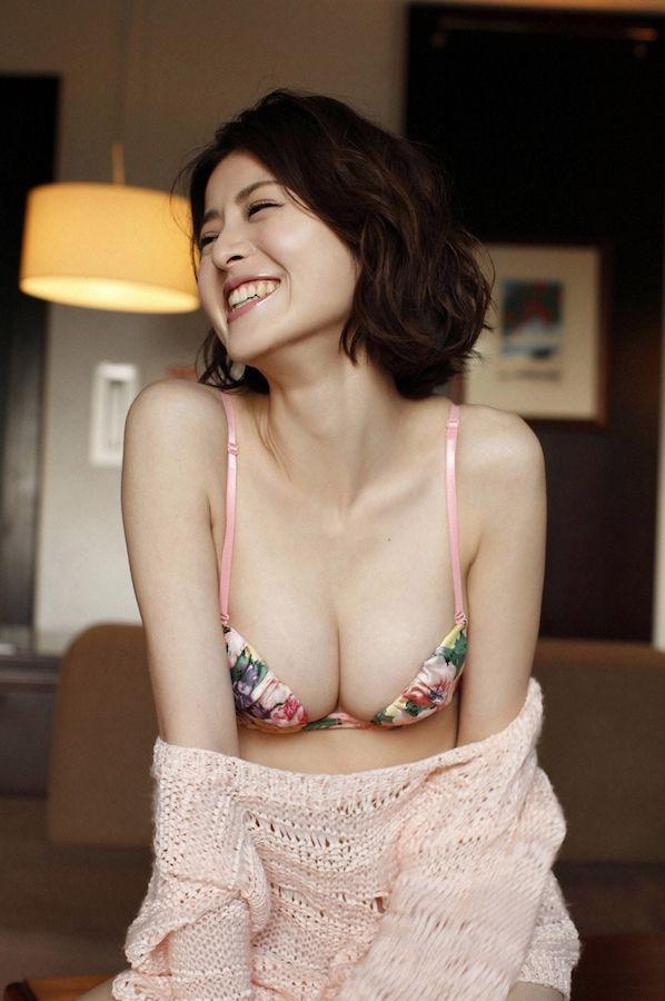 chinami-suzuki-01205395