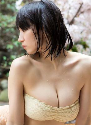 yoshioka-riho8b82413