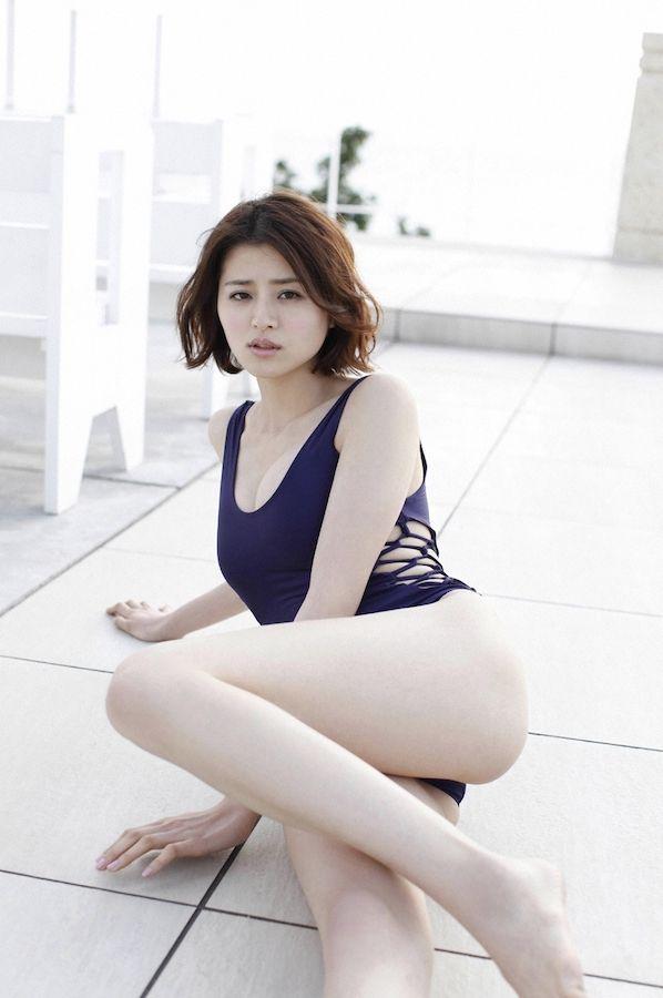 chinami-suzuki-01205427