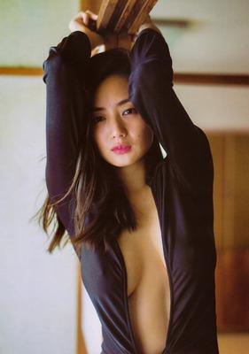 katayama-moemif9f9312388