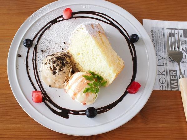 レッスンにて紹介中♪ イタリア風アイスクリーム「セミフレッド」。