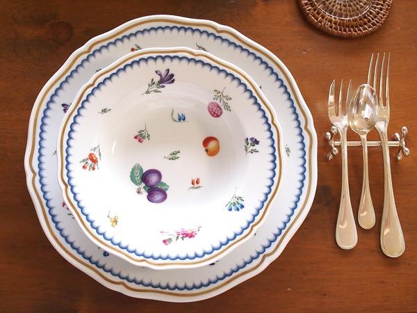 今月の食器「リチャードジノリ・イタリアンフルーツ」と「クリストフル」。