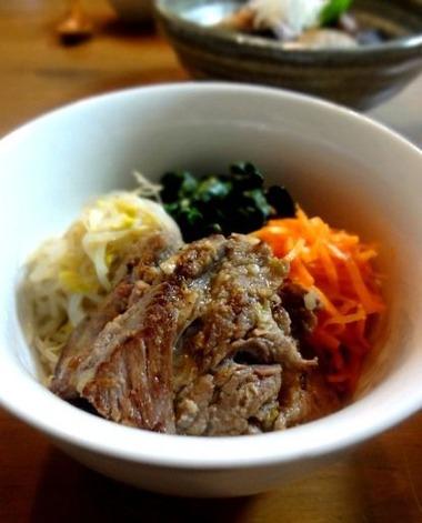 食欲直撃!塩麹カルビのビビンバ風(レシピ付)。