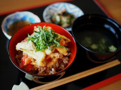 夏野菜のかき揚げ丼「夏越ご飯」& 茅の輪くぐり体験♪
