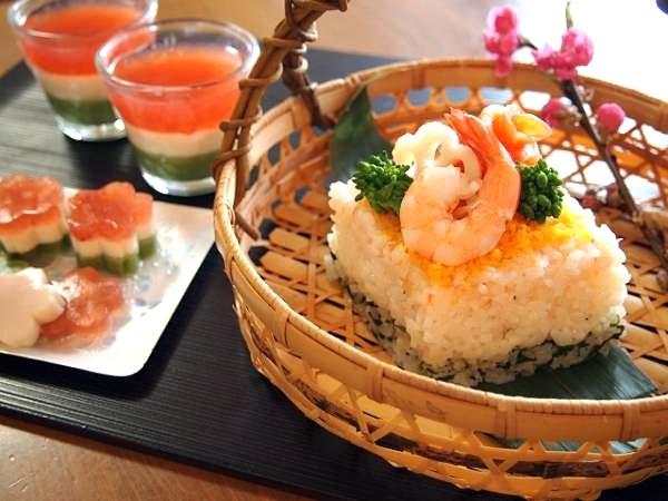 お雛祭りの簡単ひし形ちらし寿司♪