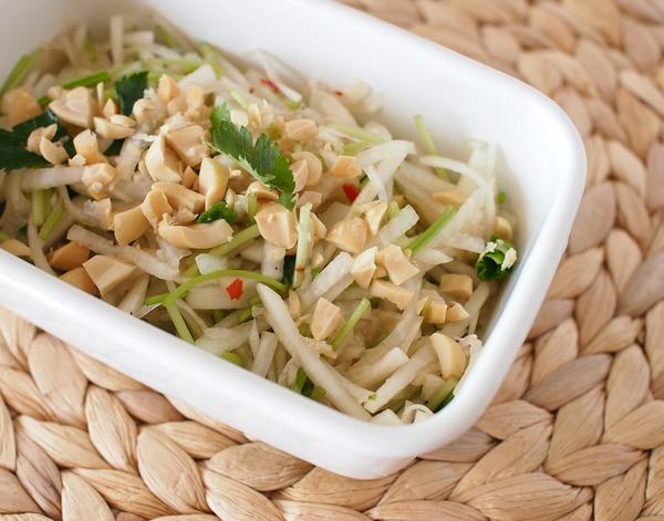 作りおき副菜。大根のタイ風サラダ&大根のクミンしょうゆ漬け。