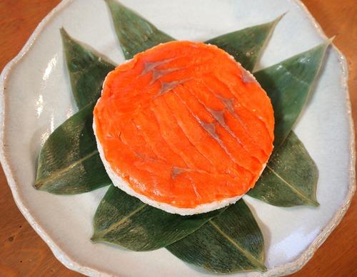 絶品☆スモークサーモンのなんちゃって鱒寿司。