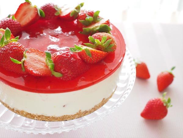 後味爽やか♪ いちごのレアチーズケーキ。