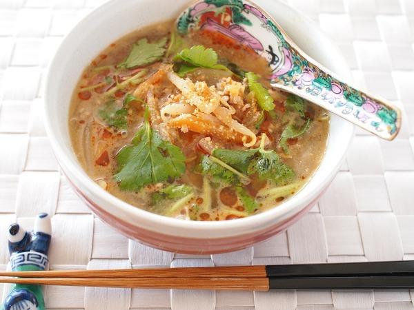 旨味たっぷり☆もやしと豚ひき肉の坦々風スープ。