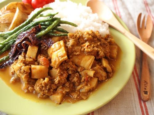 簡単ワンプレートランチ☆筍とひき肉のカレー。