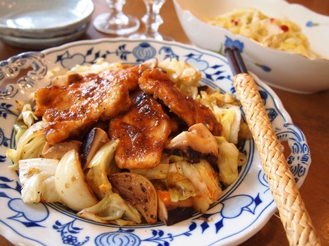 春キャベツ炒めの味噌照りチキンのっけ&春キャベツのラーパーツァイ風。