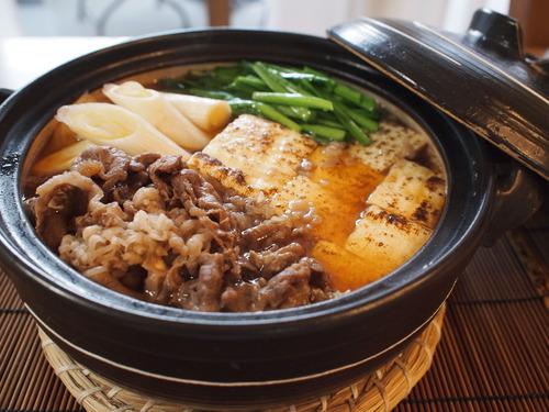 お出汁たっぷり肉豆腐。