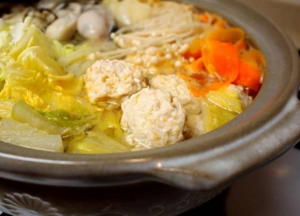 柚子風味。牡蠣と肉団子の白菜鍋。