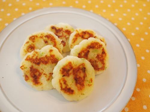 離乳食にも付け合せにも♪ じゃが芋のお焼き。
