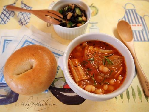 新玉ねぎと手亡豆のトマトスープ&ひじきと豆のサラダ♪