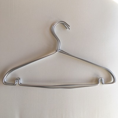 クローゼット用に無印良品・アルミ洗濯用ハンガーを使ったら