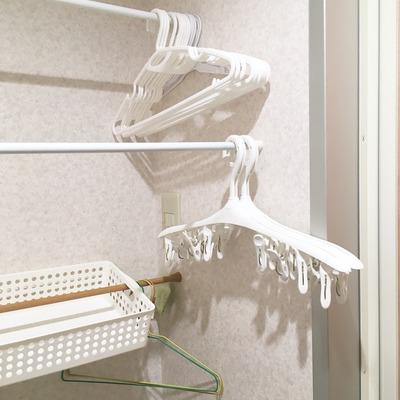 【ランドリー 兼 脱衣所】500円で出来る洗濯機の上のスペースの有効利用 /