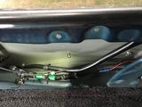 (4)助手席側オバフェンの固定ボルトとクリップ