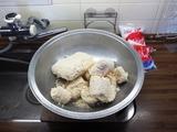 生米麹をほぐす