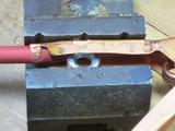 (2)ナットを利用して万力で圧着