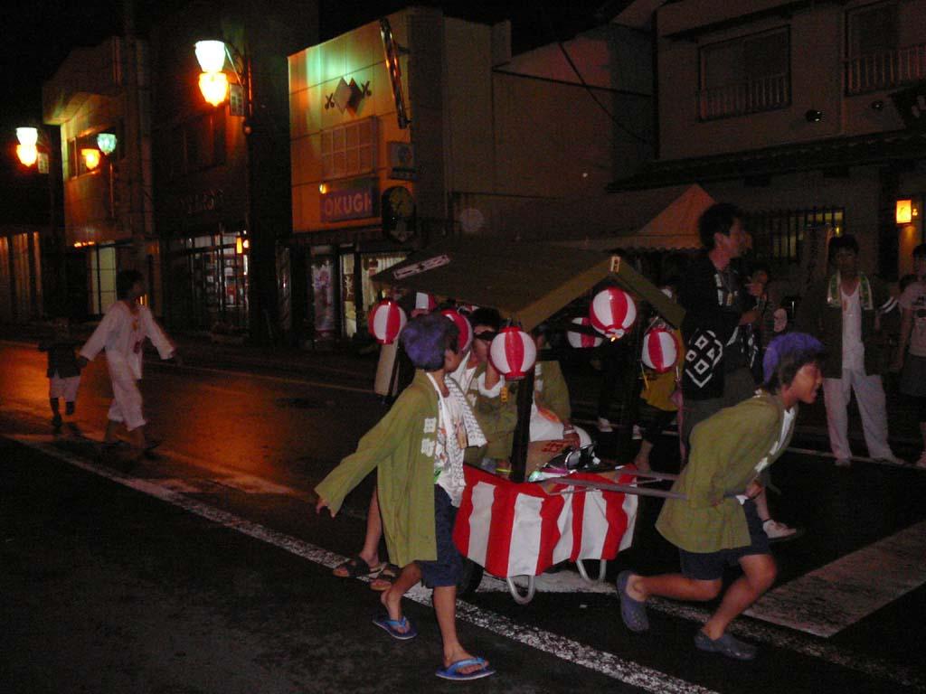 町のお祭り