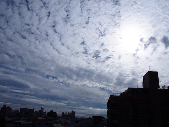 綾瀬の空、神田の空