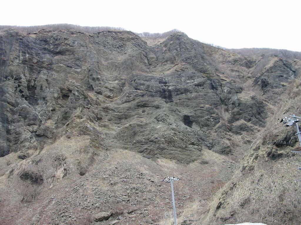 大天狗トンネル出口のSubaqueous lava