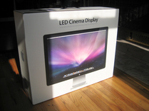 First impressions: Apple 24-inch LED Cinema Display 001
