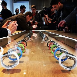 apple-watch-montre-colette-vitrine