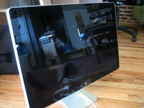 First impressions: Apple 24-inch LED Cinema Display 003