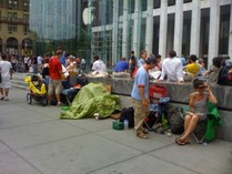 iPhone 3G Line, NY 5th Ave 002