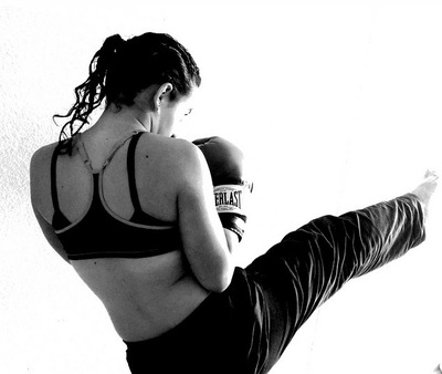 female-Kickboxer-img