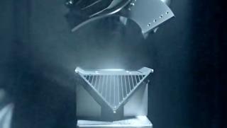 9-MacProの冷却塔を仕上げるGuysonのロボット3