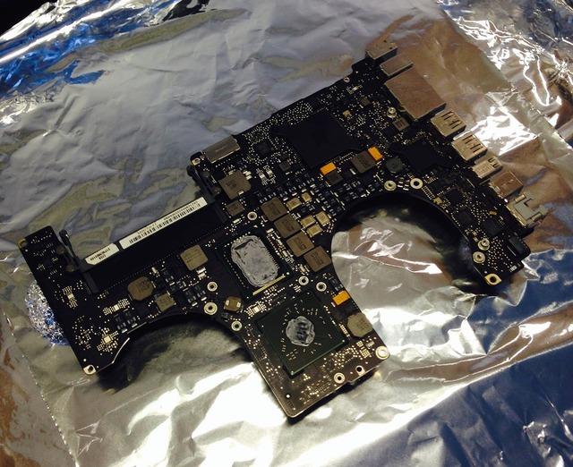 MacBook-Logic-Bord-アルミニウム箔