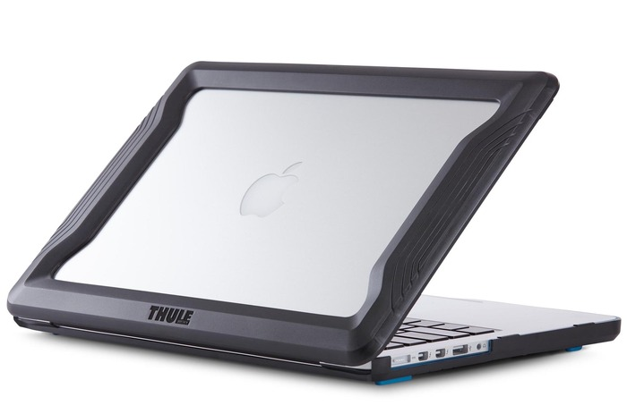 Thule社製-Thule_Vectros_MacBook_Bumper_Hero