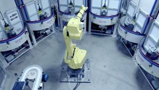 9-MacProの冷却塔を仕上げるGuysonのロボット0
