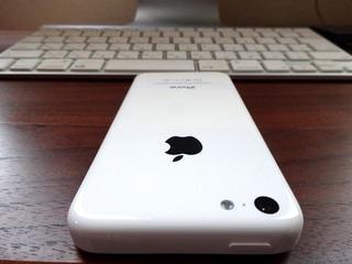 iPhone 5c ホワイトとiMac-6