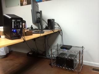 MacPro-Late2013-Setup-Back-img2