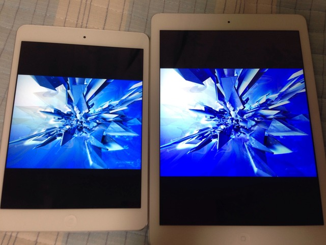1-iPad-mini-Retina-vs-iPad-Air-Blue
