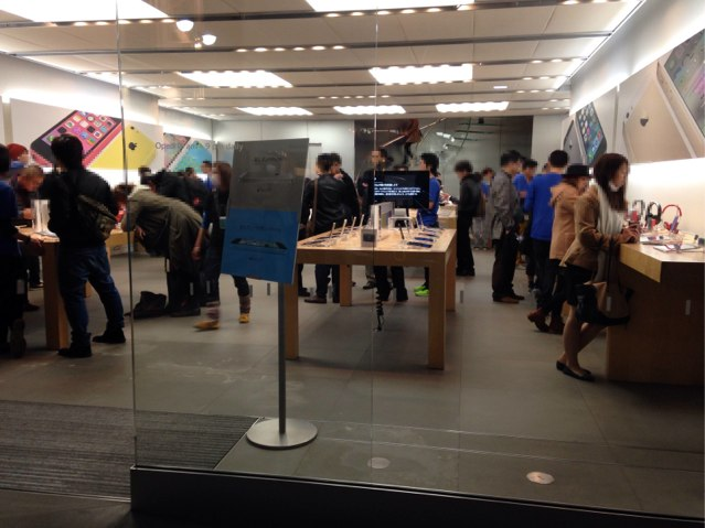 AppleStore銀座-iPad-mini-Retina2