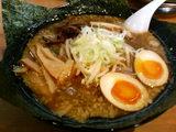 かい星-黒味噌炭麺